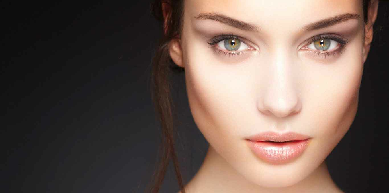 The Dynamic Cosmetics Industry: A Look into the Past, Present, and Future